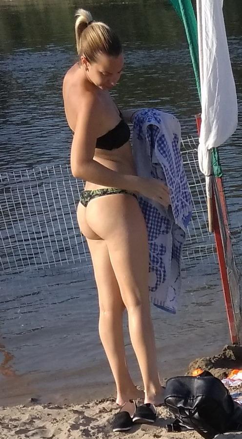 Название: Девушка на пляже 2019.jpg Просмотров: 39  Размер: 155.4 Кб