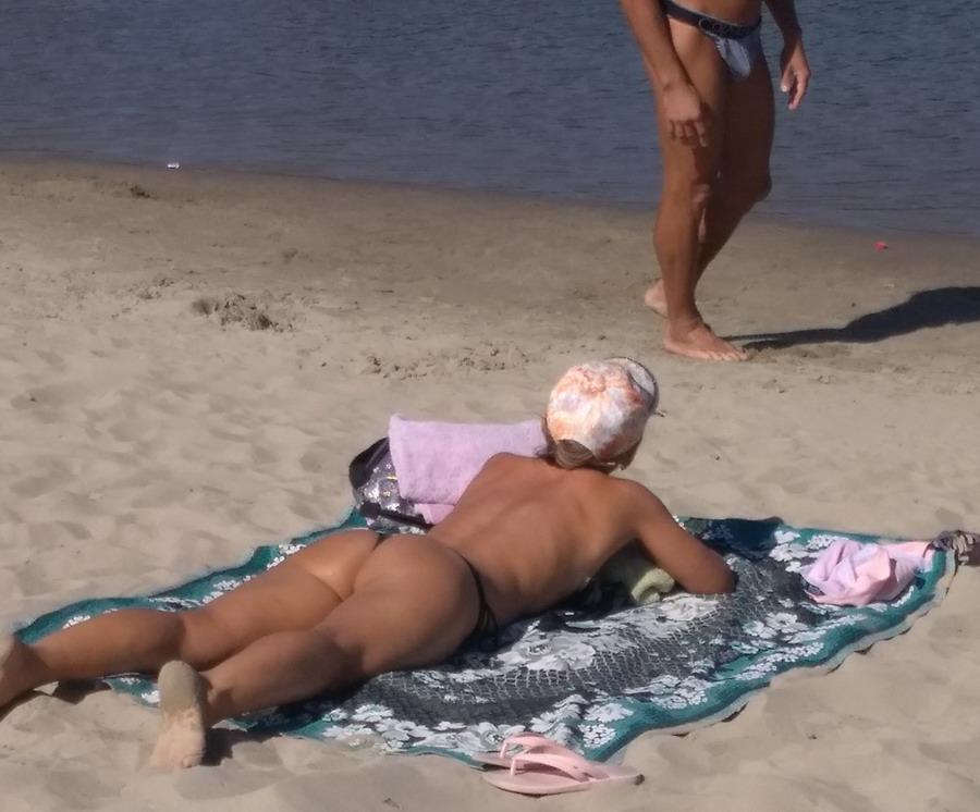 Название: Парень знакомиться  сдевушкой на пляже.jpg Просмотров: 105  Размер: 135.9 Кб
